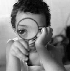 Derek Brldges, magnifying glass